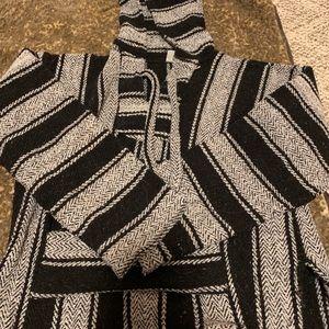 Black & white hooded drug rug